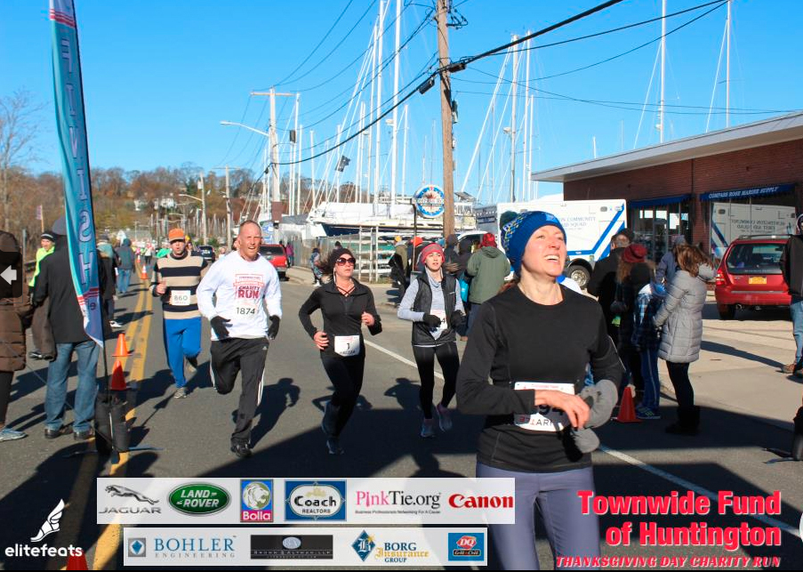 The Cold Never Bothered Me Anyway: 2018 Townwide Fund of Huntington Thanksgiving Day 4 Mile Race Recap