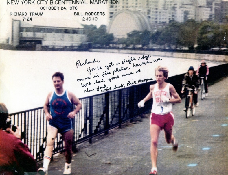 1976+marathon+Dick+being+passed+by+Bill+Rodgers