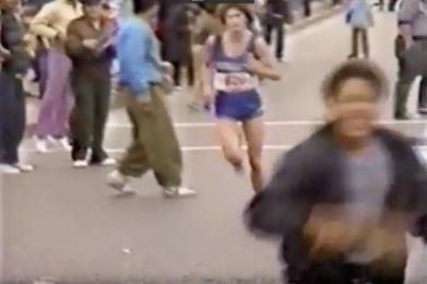 1981 julie crowds 1